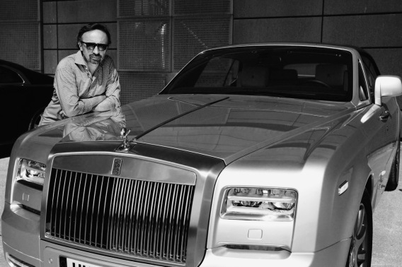 Der Rolls Royce und ich: Schön ist es, sich anlehnen zu können.