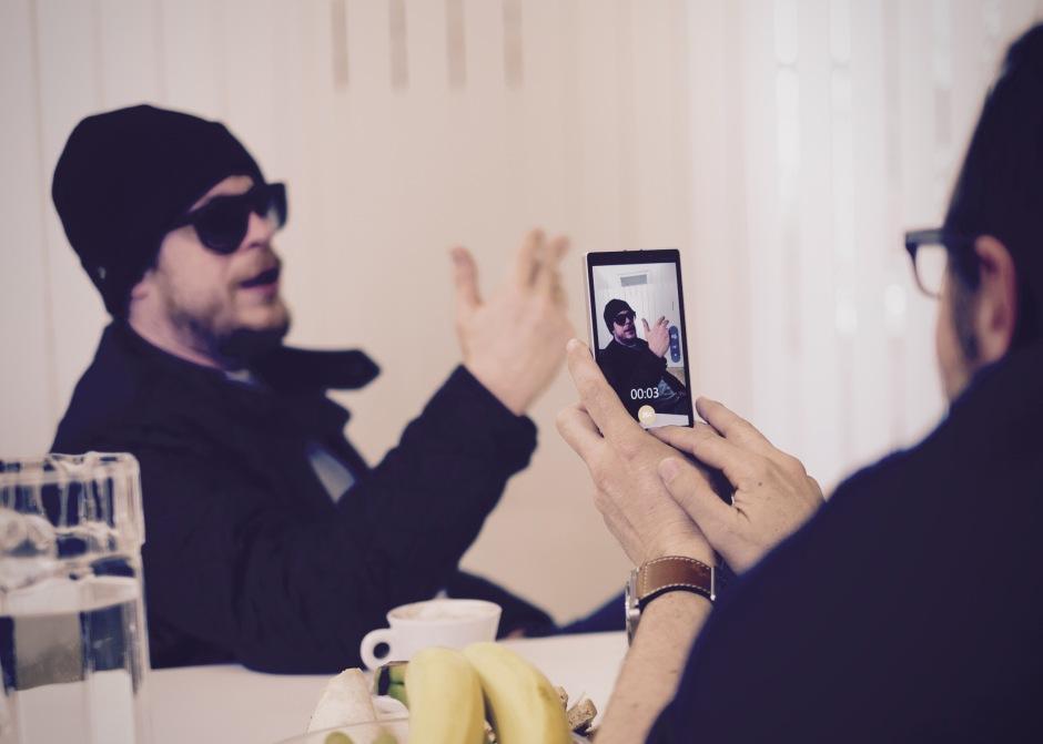 Ferris MC beschreibt sein Leben in 10 Sekunden. // Bild: Homolka