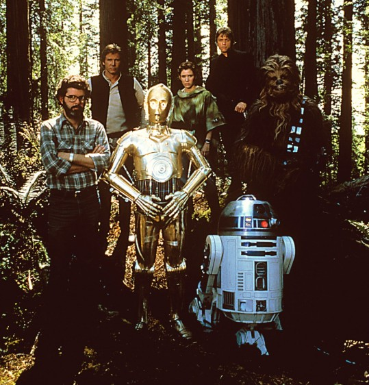 Das war vor Jahren (von links): George Lucas, Harrison Ford, C-3P0 (Anthony Daniels), Carrie Fisher, Mark Hamill, Chewbacca (Peter Mayhew), R2-D2 (Kenny Baker)