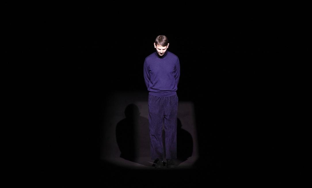 Lucio Vanotti am Ende seiner Show im Teatro Armani – er bleibt bescheiden, verneigt sich nur kurz