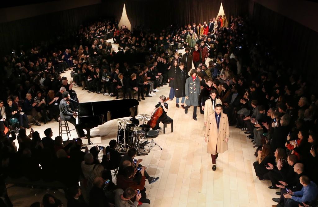 Finale bei der großen Burberry-Show im Jänner 2016 /// Bild: Burberry