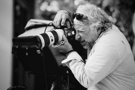 Fotograf Enrique Badulescu bei der Arbeit /// Bild: s.Oliver